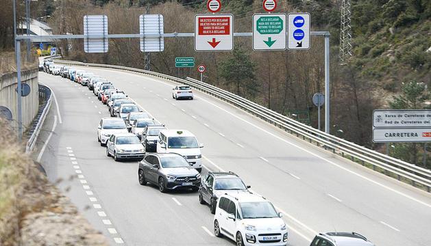 Vehicles aturats a la frontera, un dia anterior.