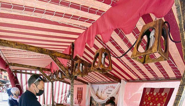 En marxa el mercat d'artesania al Pas de la Casa
