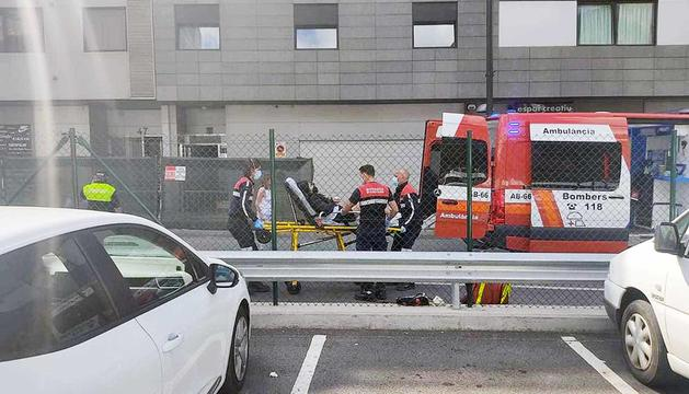 Una dona ferida en un accident de patinet a la capital.