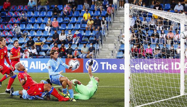 Marc Vales va fer els dos gols de la selecció al duel contra San Marino.