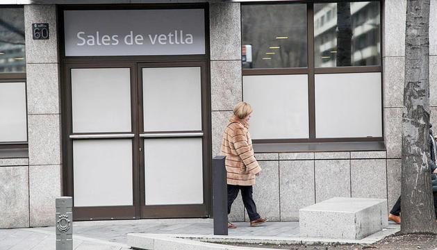 Entrada a les sales de vetlla d'Andorra la Vella.