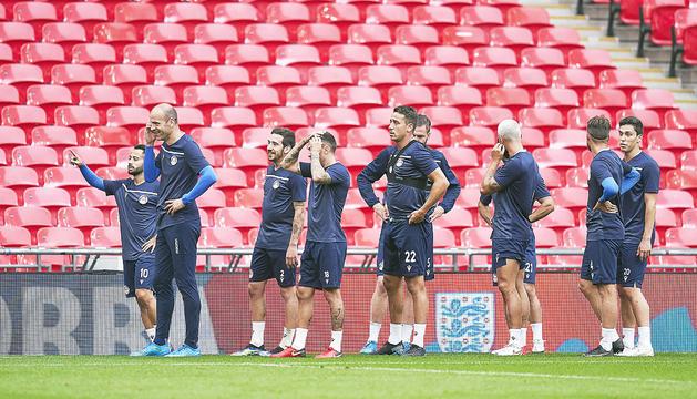 L'equip va fer ahir l'entrenament oficial a l'estadi de Wembley.