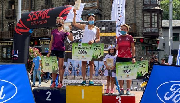 El podi femení individual: Roser Español; Marta Codina; Eva Puidemasa i Sonia Carrillo