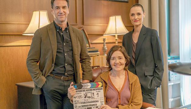 Els protagonistes del telefilm durant el rodatge.