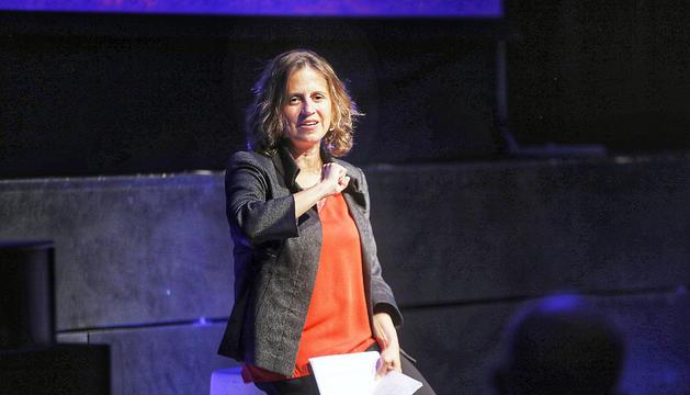 Rosa Gili, cònsol major d'Escaldes-Engordany, durant un moment de la reunió.