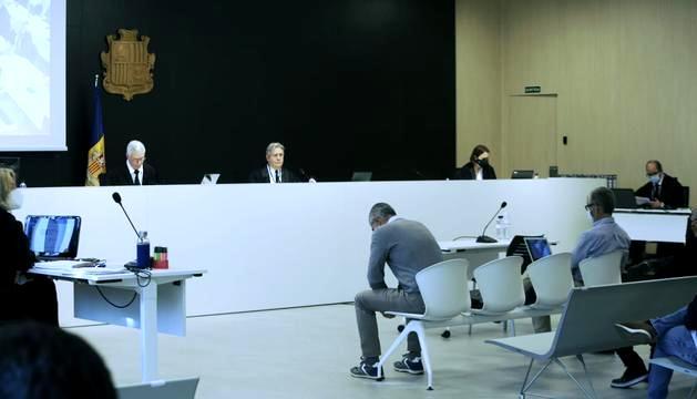 Sala del judici abans de reprendre's la declaració de Joan Pau Miquel avui