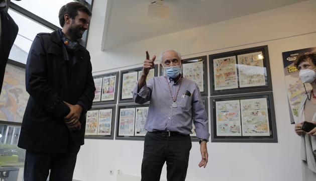 El dibuixant Jan durant l'acte d'homenatge