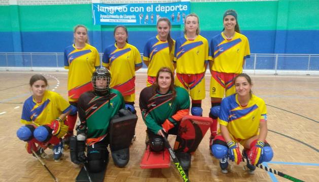 La selecció femenina en el segon dels partits.