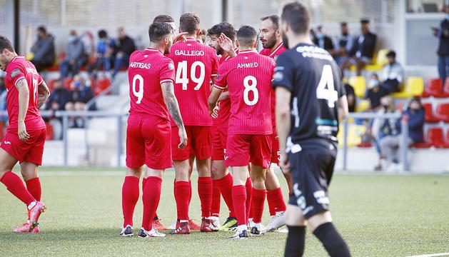 Els futbolistes de l'Inter Escaldes celebren un dels gols.