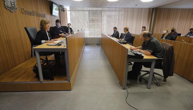 Yolanda Valdeolivas aquest matí a la comissió de pensions del Consell