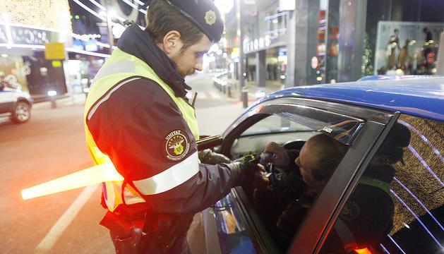 Control policial a la xarxa viària.