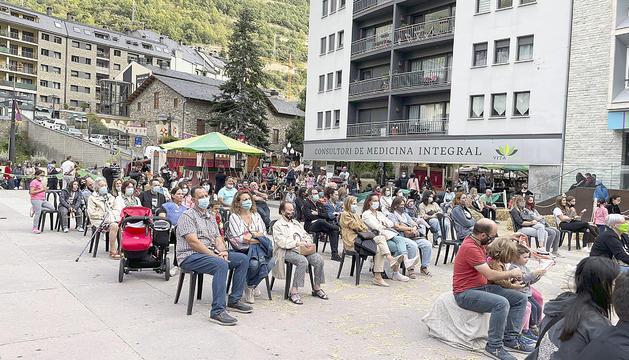 La plaça de la Germandat, ahir plena de visitants.