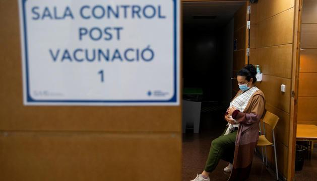 Inici de la vacunació a l'hospital de dia