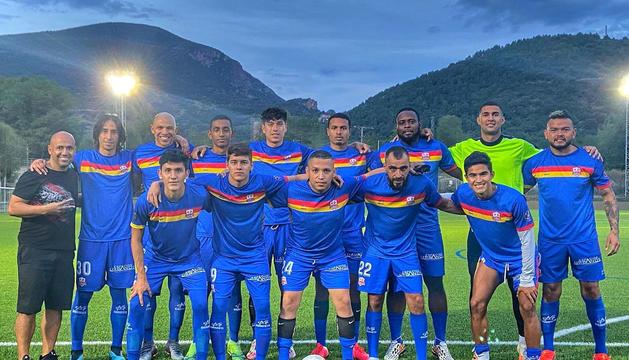 El CEJenlai ha disputat algun partit amistós durant la pretemporada però no ha aconseguit inscriure els jugadors.