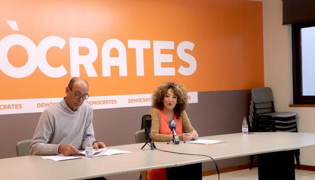 El Secretari General del partit Jaume Serra i la secretària d'Organització del partit, Rosalina Areny