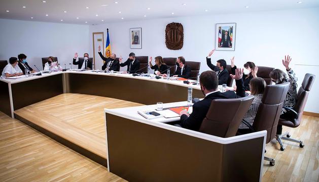 Votació en la sessió del comú d'Andorra la Vella.