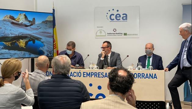 El ministre d'Ordenament Territorial i Habitatge, Víctor Filloy durant la presentació