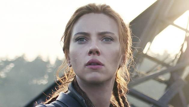 Scarlett Johansson en un moment de 'Black Widow'.