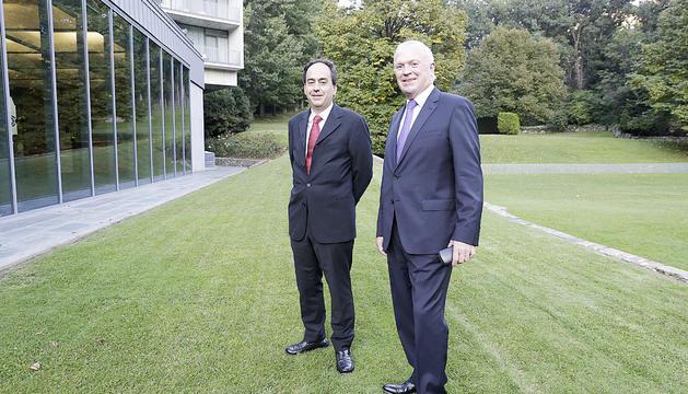 En primer pla, el president del TAPA, Pierre Raoul-Duval, i en segon pla el secretari general, Juan Pablo Correa.