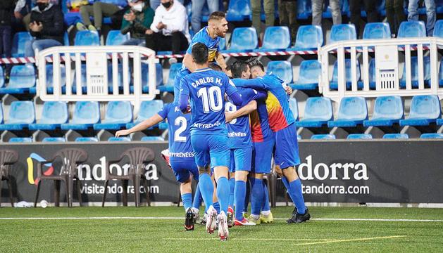 Els gols d'Hector Hevel i Enri van donar el segon triomf de la temporada als tricolors.