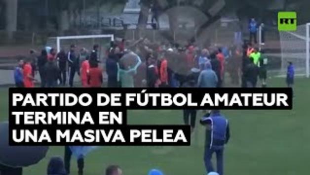 Baralla massiva en un partit de futbol