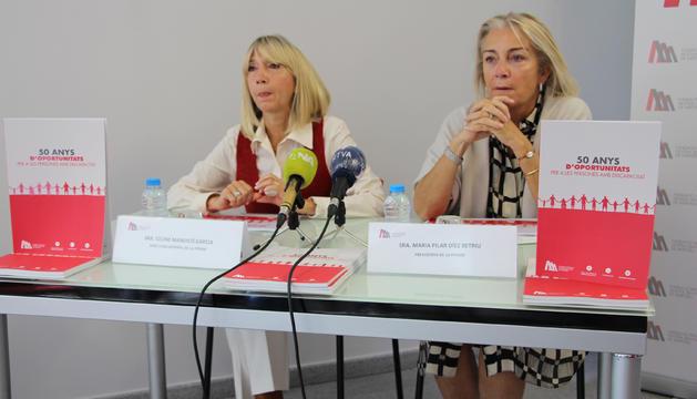 La directora general de l'entitat, Celine Mandecó i la presidenta de la fundació Maria Pilar Díez, a la presentació d'aquest matí