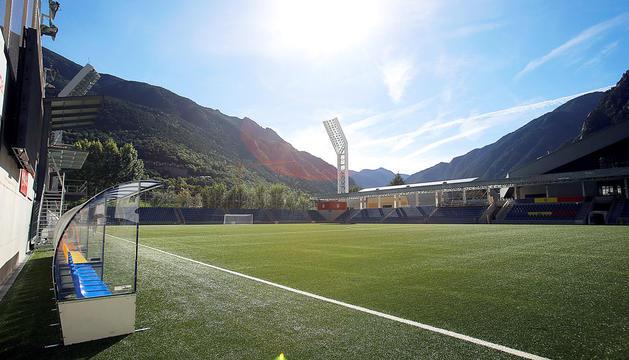 Terreny de joc de l'Estadi Nacional, ahir a la tarda.
