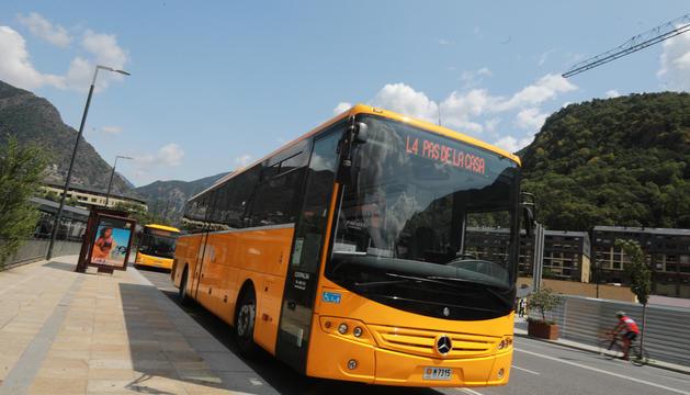 L'abonament de bus costa ara 30 euros.