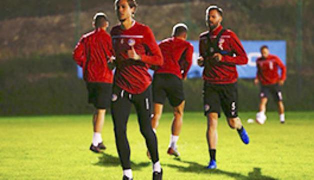 La Selecció de Futbol s'entrena a Serravalle pensant en el duel contra San Marino.