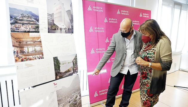 L'arquitecte Xavier Orteu i la cònsol major d'Andorra la Vella, Conxita Marsol.