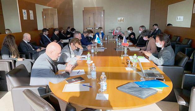 La reunió de les delegacions es va fer a San Marino.